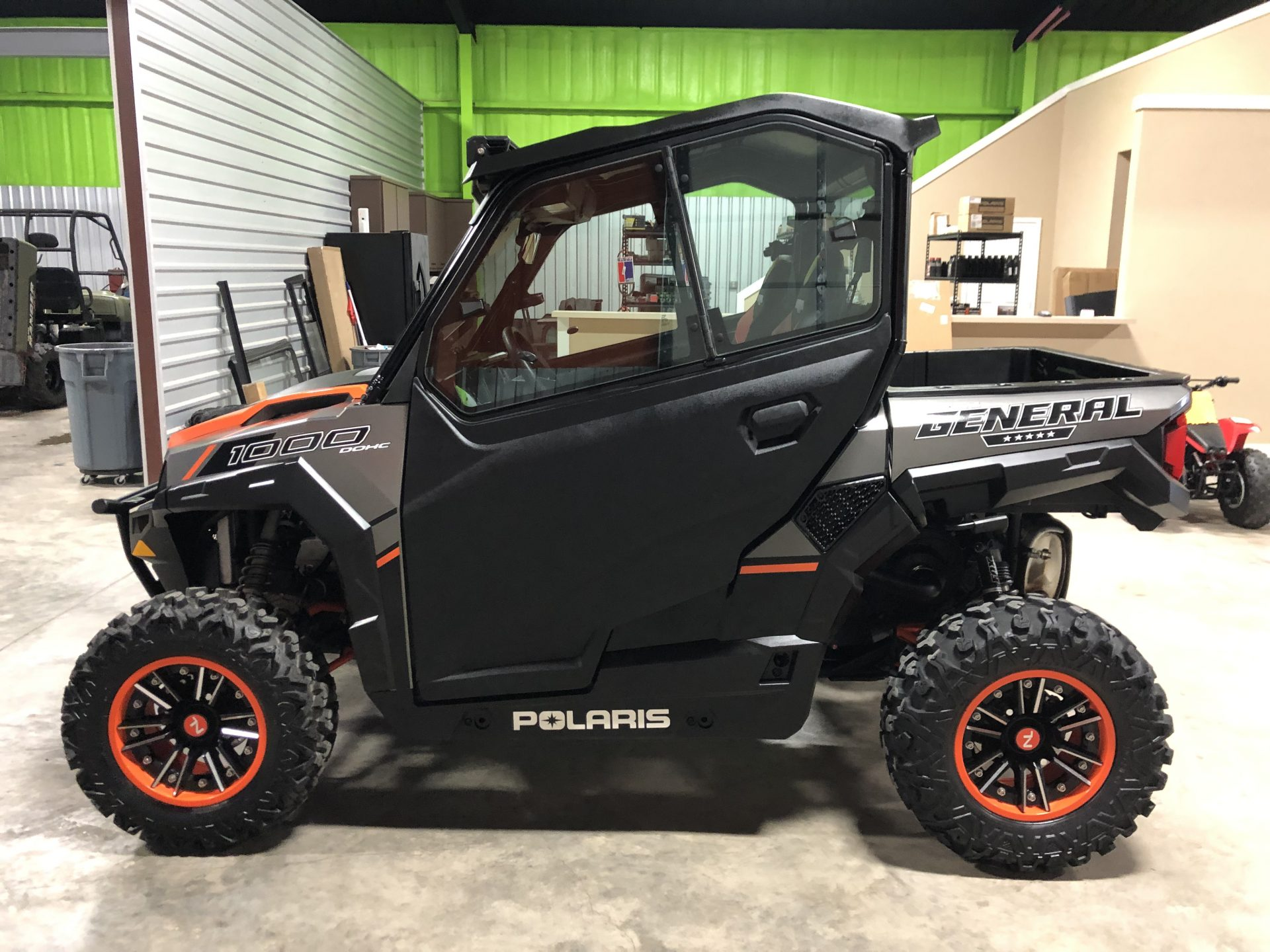 2017 Polaris General Deluxe 1000 Image